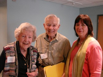 L-R: Nancy and Bill Sessions wiith Leslee Asch. Photo by Sharon Stevenson, courtesy New Canaan Community Foundation