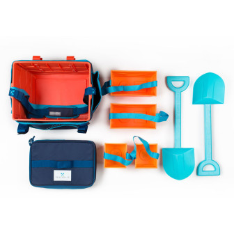 The Beachmate System includes one large bucket, two medium-sized buckets, two small buckets and two strong shovels, in addition to the cooler and removable tote bag.